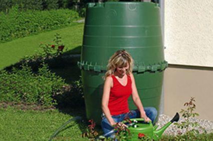 Бак для воды у загородного дома